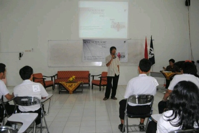 Transfer ilmu dalam acara pelatihan-pelatihan di kampus